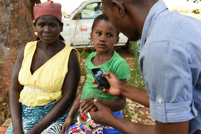 Leprosy detection team uses mobile skinapp in Mozambique