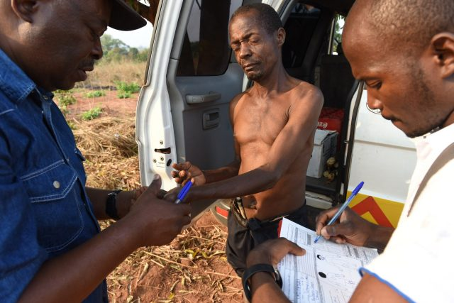 Detecting persons affected by leprosy in the field in Mozambique